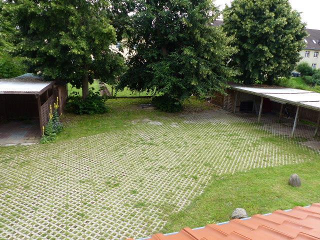 Grundstück hinter dem Haus